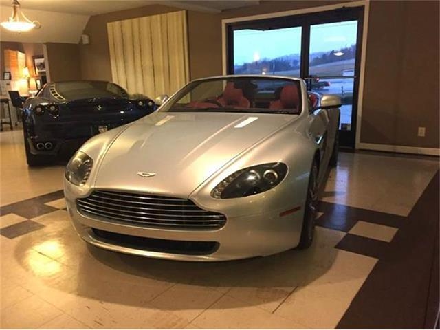 2010 Aston Martin Vantage | 772832