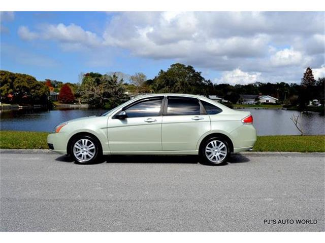 2010 Ford Focus | 770388