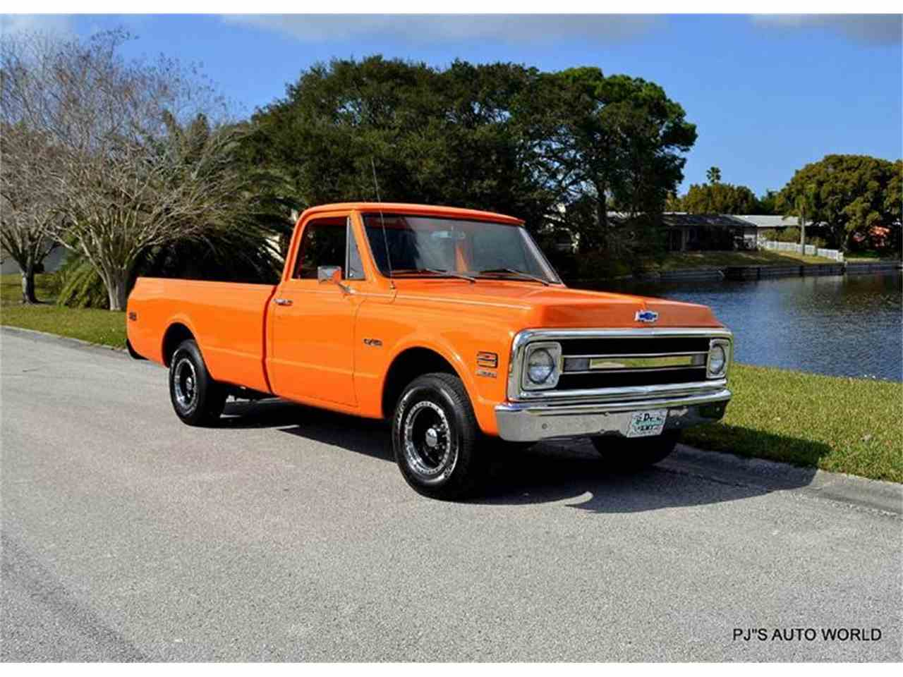 Large Picture of Classic 1970 Chevrolet C/K 10 - GIFS