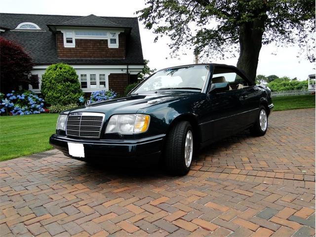1995 Mercedes-Benz E320 | 775584