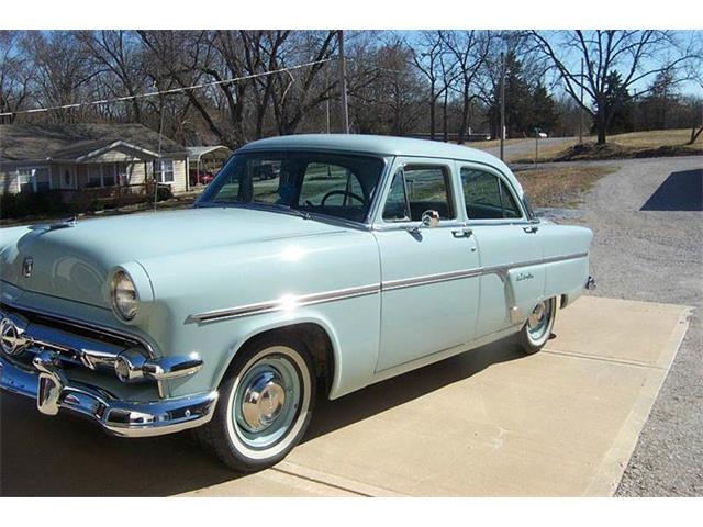 1954 Ford Crestline | 777192