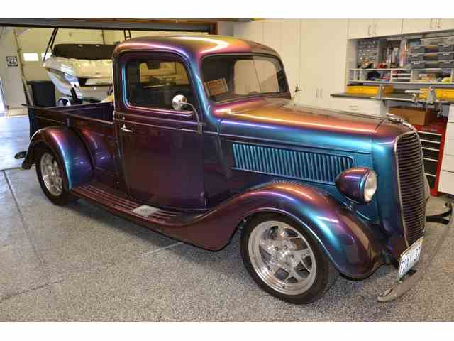 1937 Ford Pickup   779527