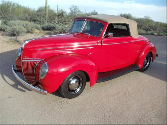 1939 Ford Roadster | 779729