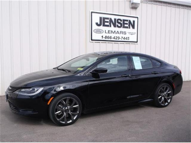 2015 Chrysler 200 | 789357