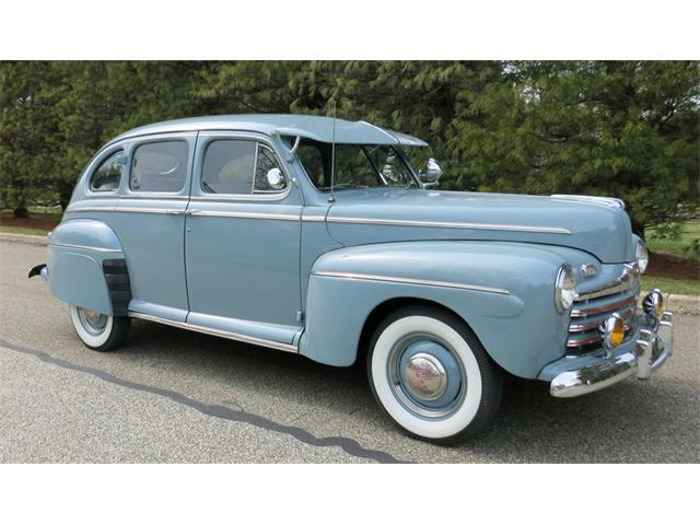 1946 Ford Deluxe | 780096