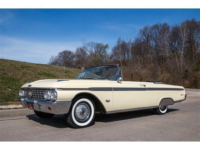 1962 Ford Sunliner | 794526