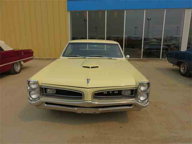 1966 Pontiac GTO HT Candlelight Cream | 801357