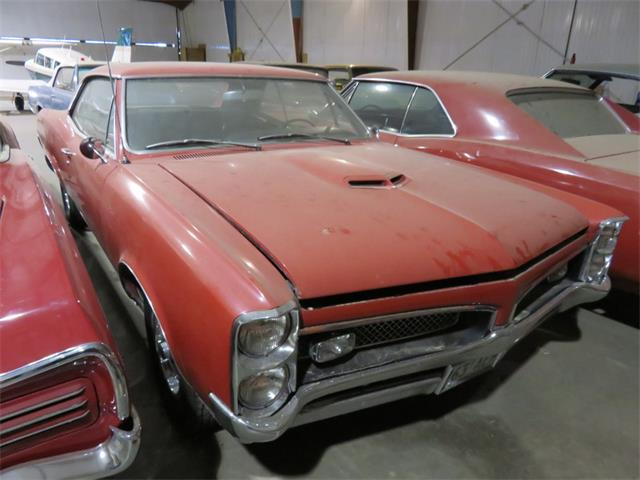 1967 Pontiac GTO HT Regimental Red | 801378