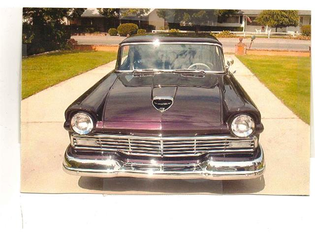 1957 Ford Fairlane | 800380