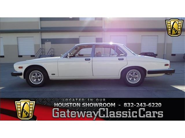 1986 Jaguar XJ6 | 805926