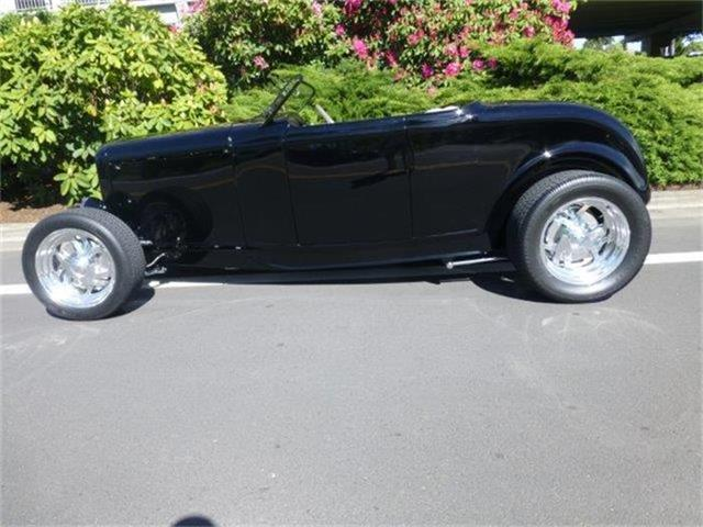 1932 Ford Roadster | 807570