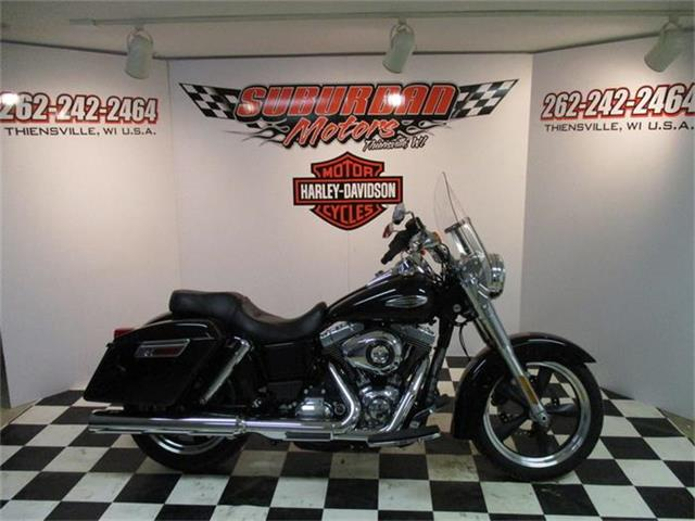 2014 Harley-Davidson® FLD - Dyna® Switchback™ | 811305