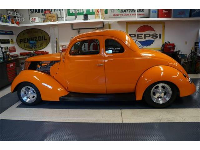 1937 Ford Coupe | 810408