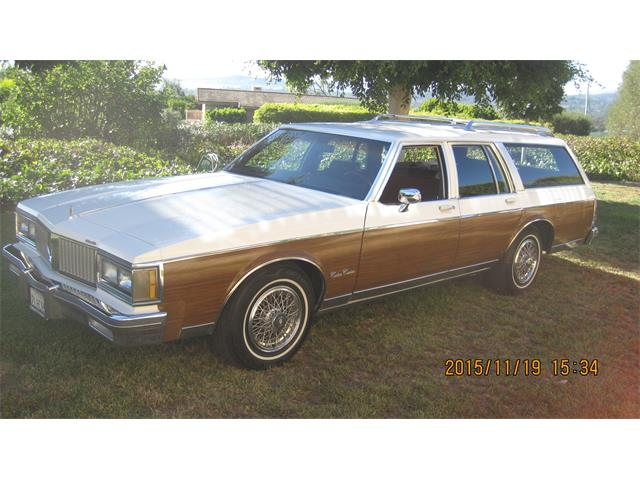 1988 Oldsmobile Custom Cruiser | 810418