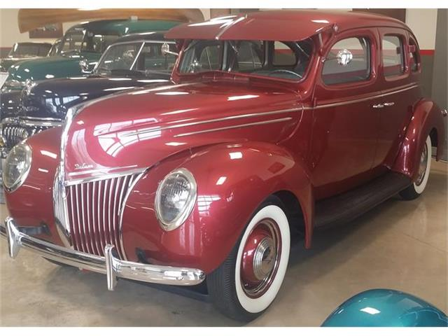 1939 Ford Deluxe | 816701