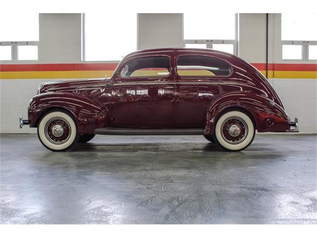 1939 Ford Sedan | 817176