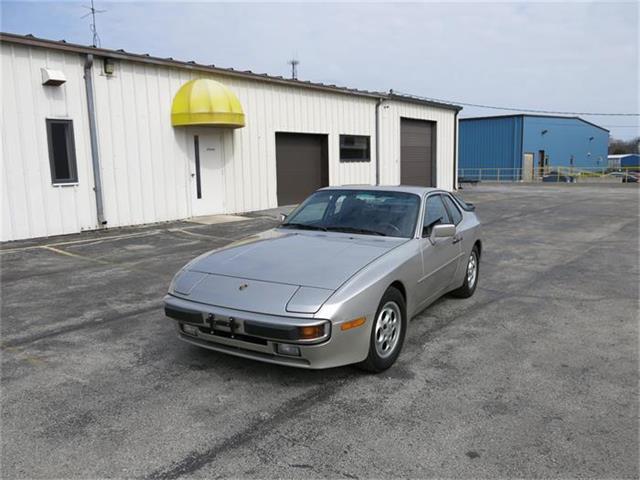 1987 Porsche 944 | 819985