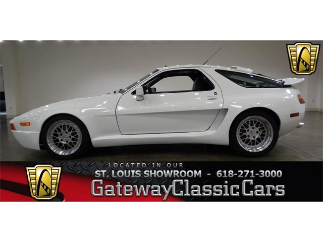1991 Porsche 928 | 823457