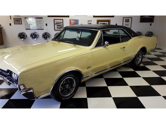 1967 Oldsmobile Cutlass Supreme | 824456