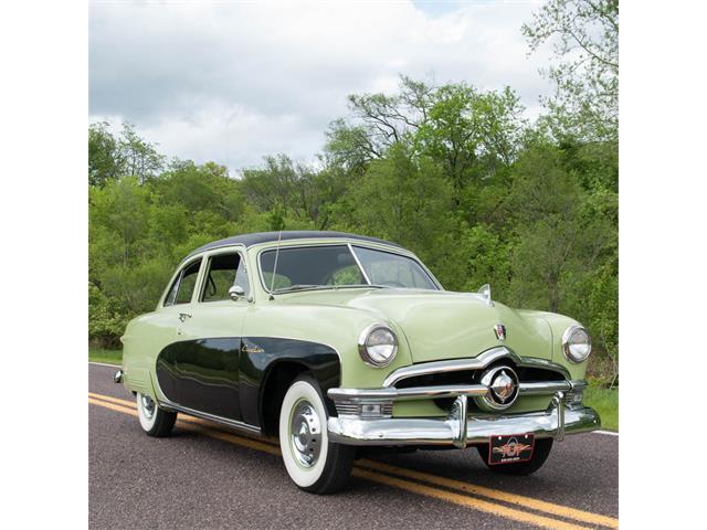 1950 Ford Crestliner Tudor Sedan | 824501