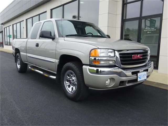 2005 GMC Sierra | 824598