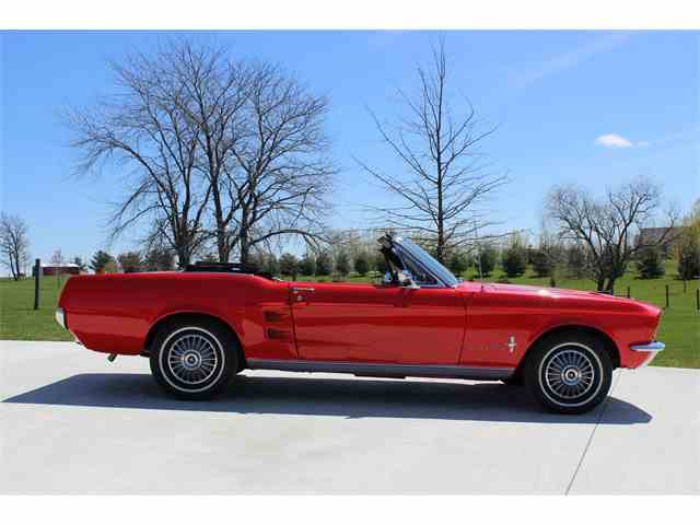 1967 Ford Mustang | 825557