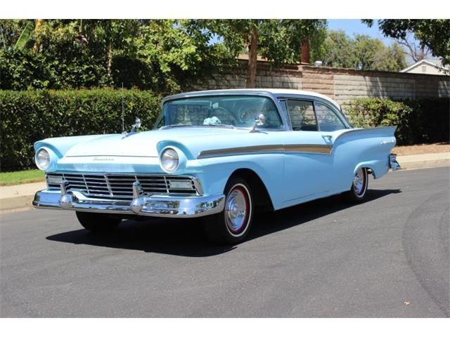 1957 Ford Fairlane | 826727