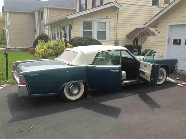 1965 Lincoln Town Car | 827865
