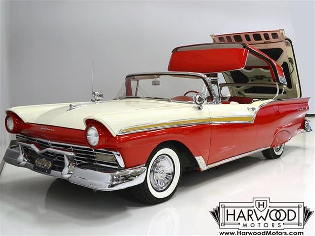 1957 Ford Skyliner | 828248