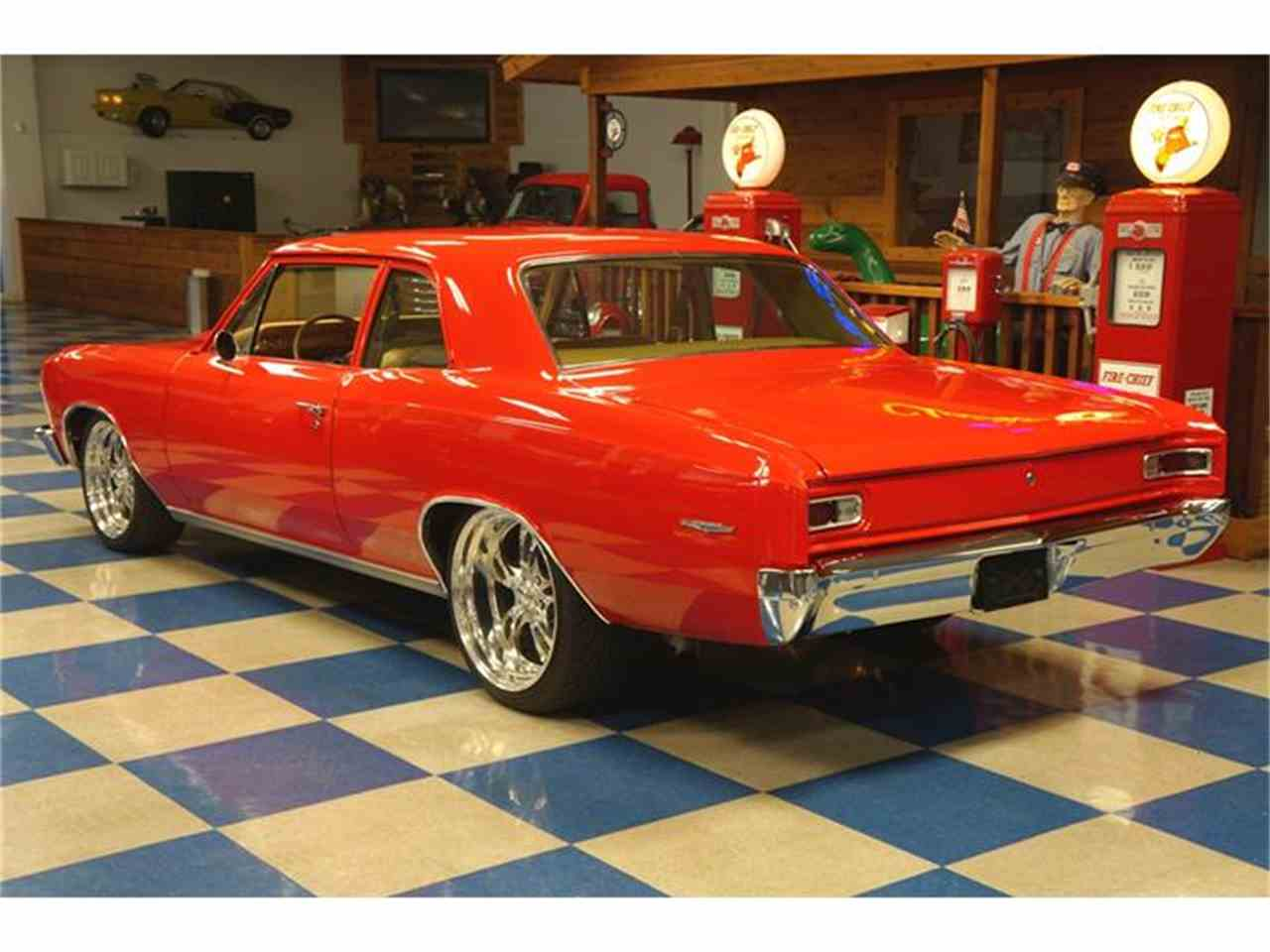 Large Picture of '66 Chevelle - HRT2