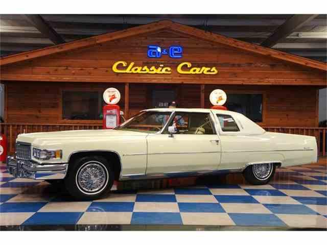 1976 Cadillac Coupe DeVille   829679