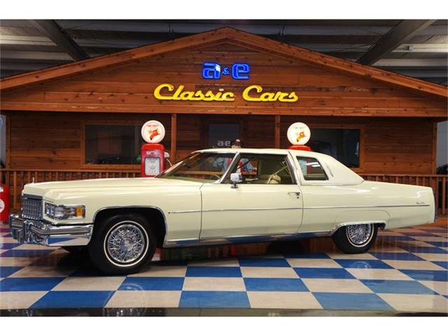 1976 Cadillac Coupe DeVille | 829679
