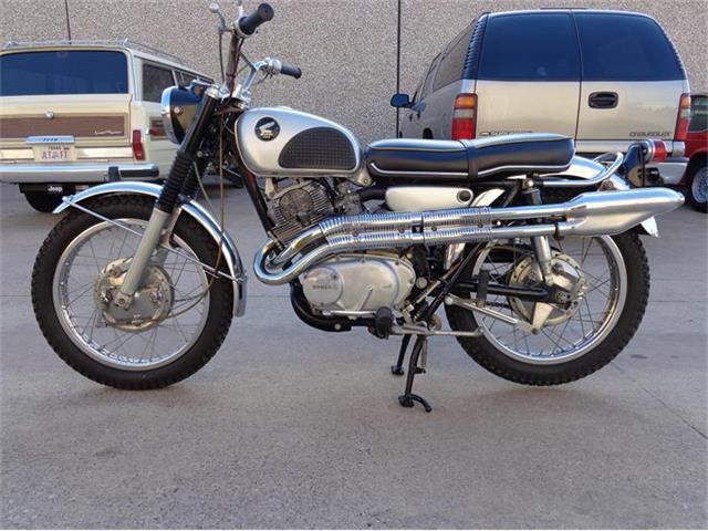 1967 Honda CL77 | 831299