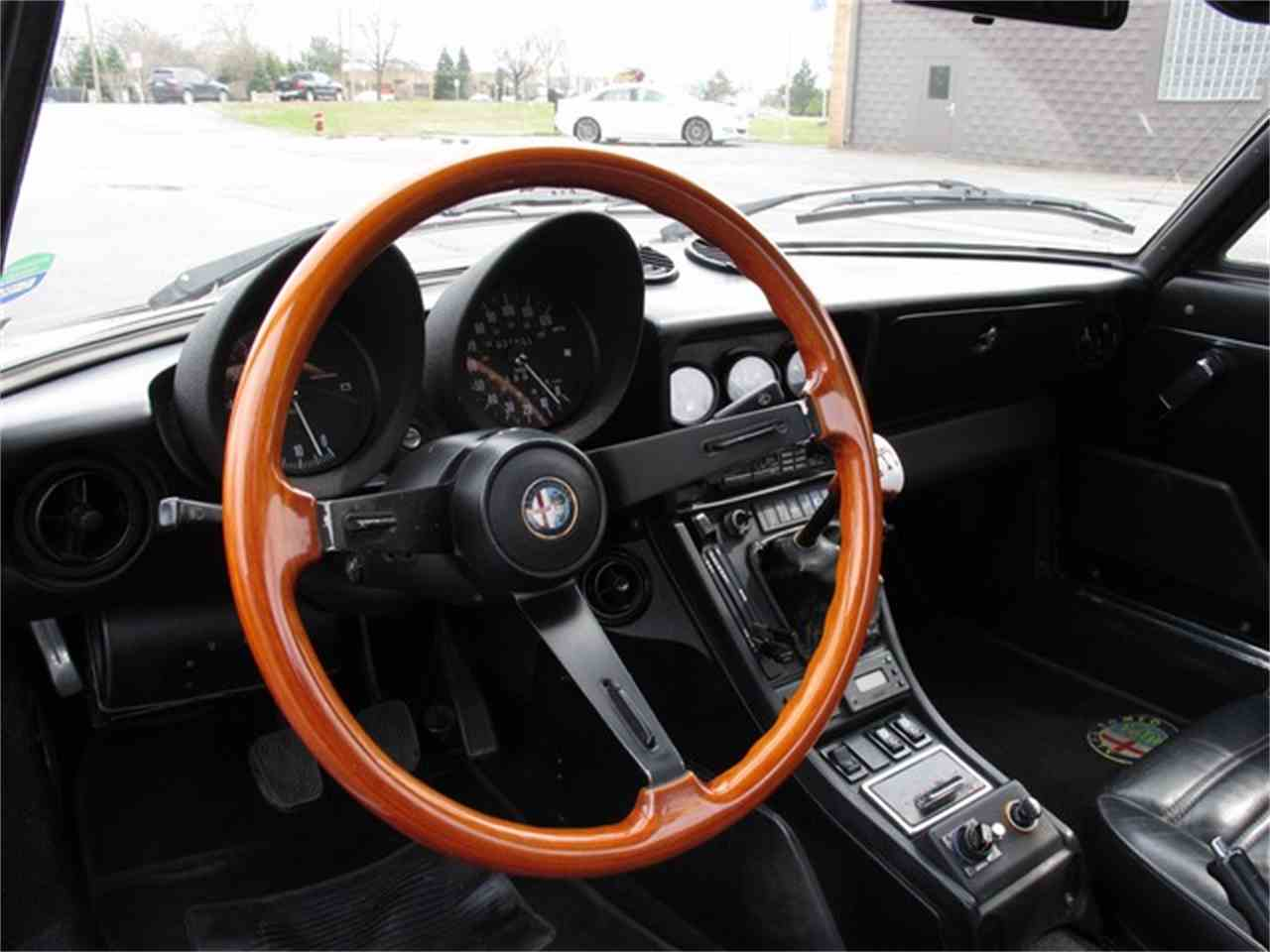 Large Picture of 1985 Alfa Romeo Spider - HTJF