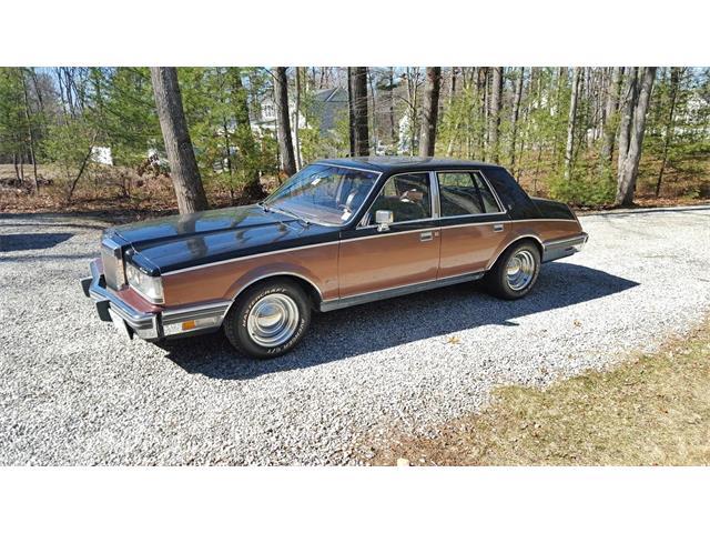 1982 Lincoln Continental | 831454