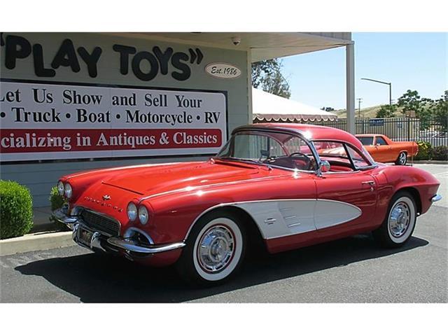 1961 Chevrolet Corvette | 833905
