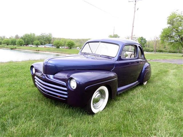 1946 Ford 2-Dr Coupe | 833908