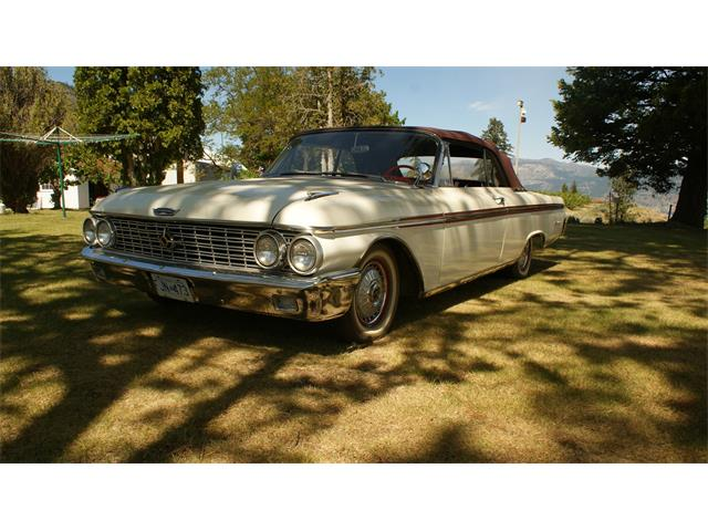 1962 Ford Sunliner | 834543
