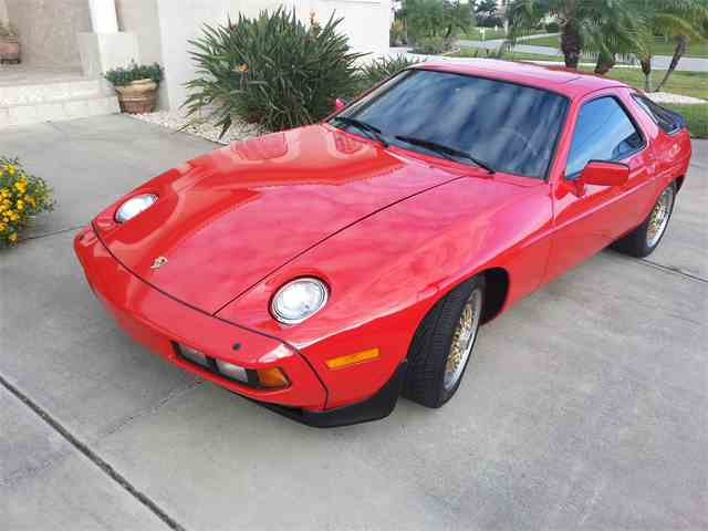 1985 Porsche 928S | 834549