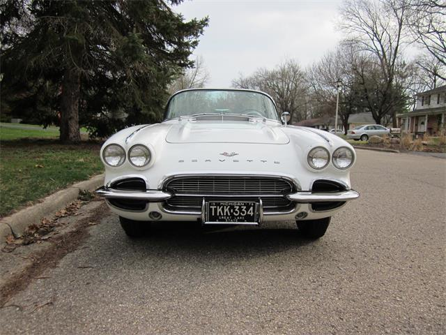 1961 Chevrolet Corvette | 836046