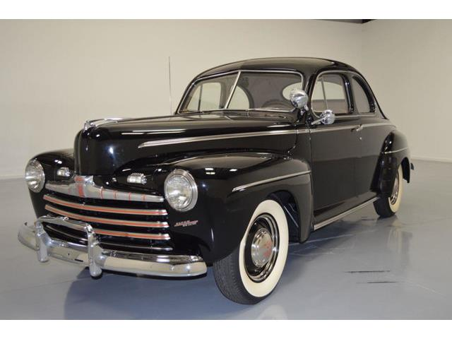 1946 Ford Coupe | 836097