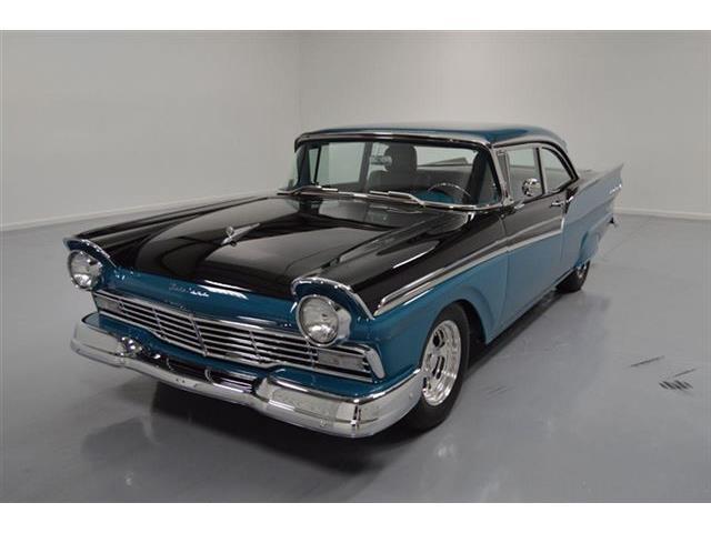 1957 Ford Fairlane 500 | 836100