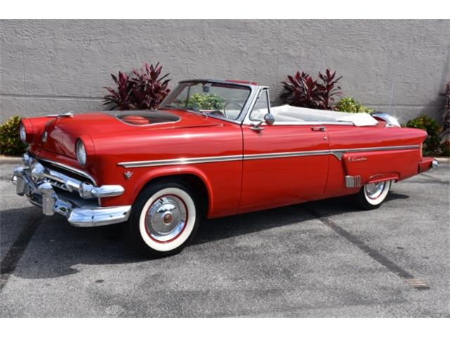 1954 Ford Fairlane Sunliner | 837331
