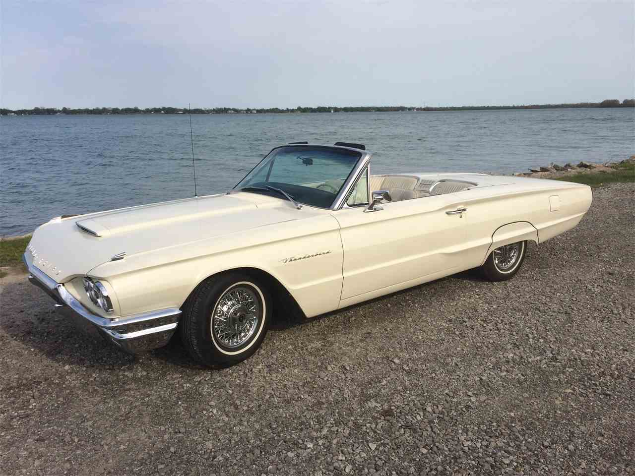 Large Picture of '64 Thunderbird - I1T6