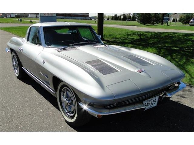 1963 Chevrolet Corvette Stingray | 842827