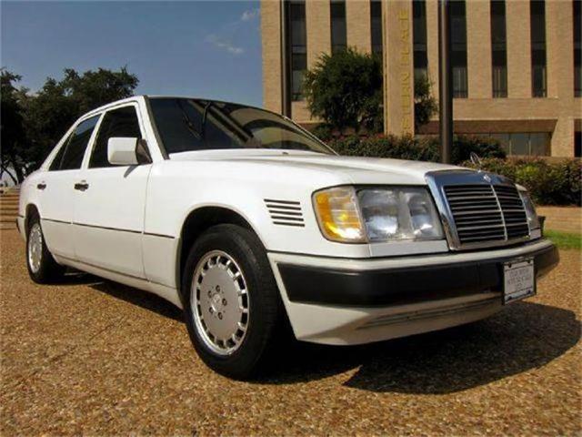 1993 Mercedes-Benz 300 | 843950