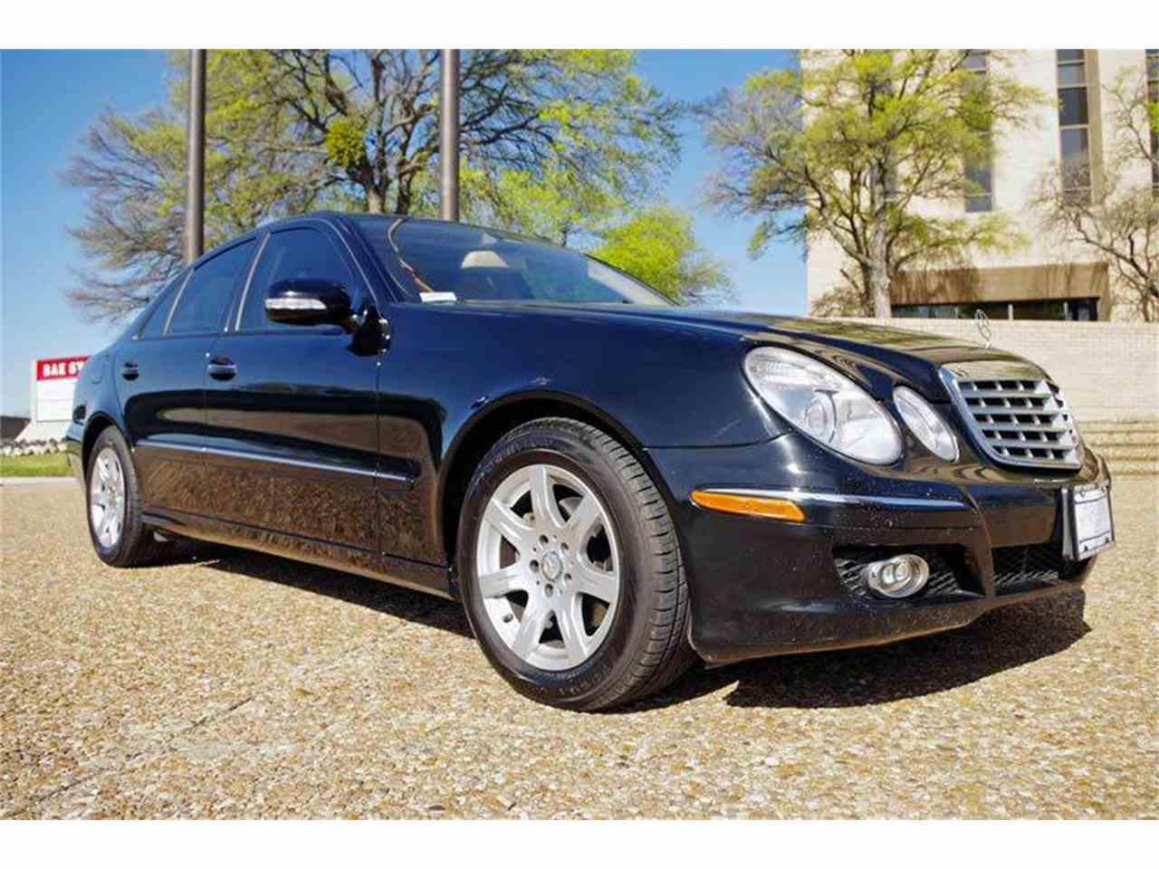 Large Picture of 2008 Mercedes-Benz E-Class located in Texas - I375