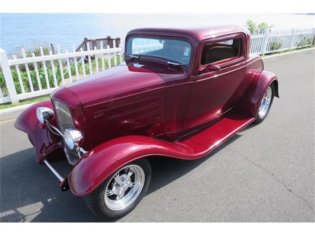1932 Ford Club Coupe   844008