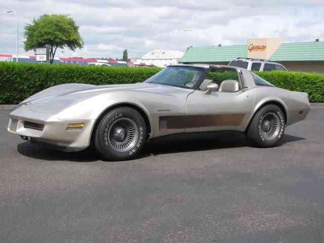 1982 CHEVROLET CORVETTE T-TOP COLLECTOR EDITION COUPE