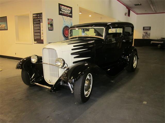 1932 Ford Model B   840526